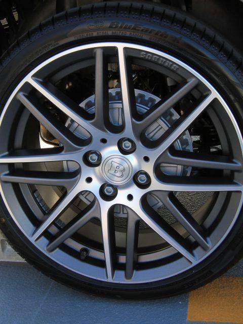 BRABUSのタイヤはヨコハマゴム